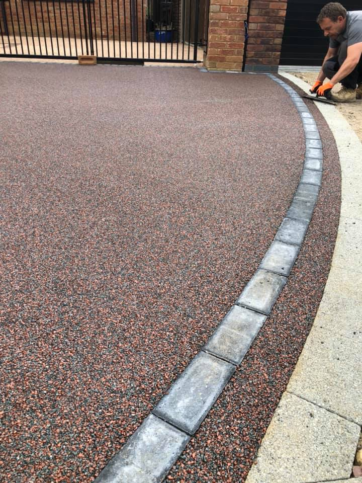 DRIVEWAY SPECIALISTS, RESIN BOUND DRIVEWAY